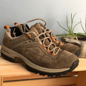Woman's 8.5 Merrell Hiking Shoe/Boot